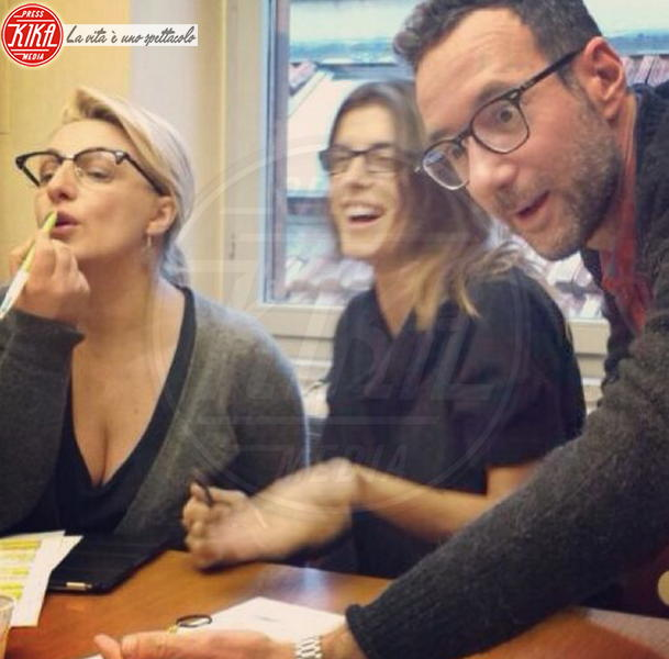 Elisabetta Canalis - Los Angeles - 18-11-2013 - Dillo con un tweet: Sole e Aurora sono l'orgoglio di Michelle