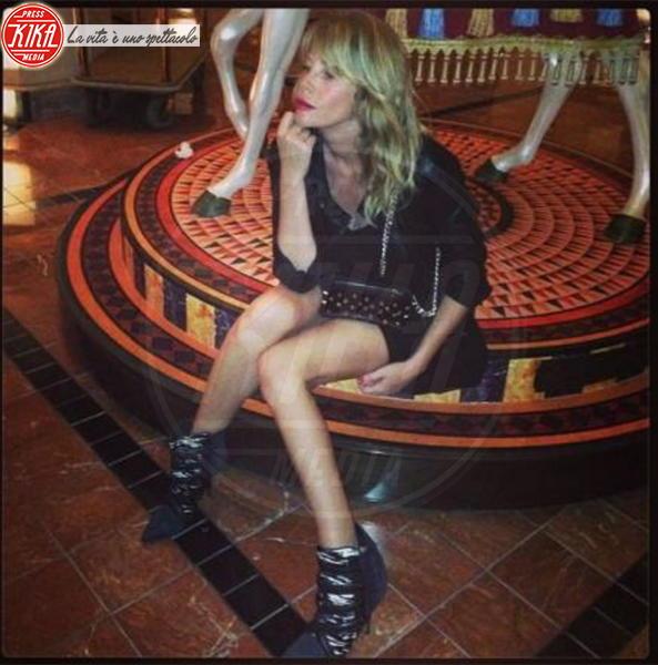 Alessia Marcuzzi - Los Angeles - 18-11-2013 - Dillo con un tweet: Sole e Aurora sono l'orgoglio di Michelle