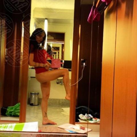 Naike Rivelli - Milano - 20-11-2013 - Dillo con un tweet: Naike Rivelli si dà allo striptease