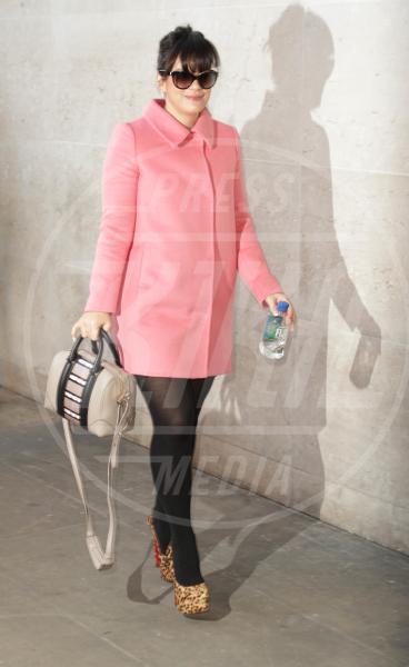Lily Allen - Londra - 19-11-2013 - L'inverno è più romantico con il cappotto rosa!