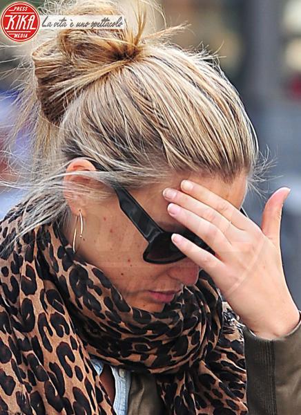 Bar Refaeli - Los Angeles - 16-12-2010 - Il leopardo non si ammaestra, si indossa