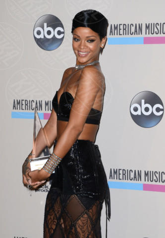Rihanna - Los Angeles - 24-11-2013 - American Music Awards 2013: è trionfo Swift-Timberlake