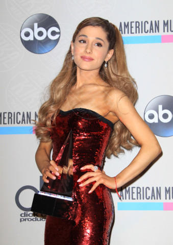 Ariana Grande - Los Angeles - 24-11-2013 - American Music Awards 2013: è trionfo Swift-Timberlake