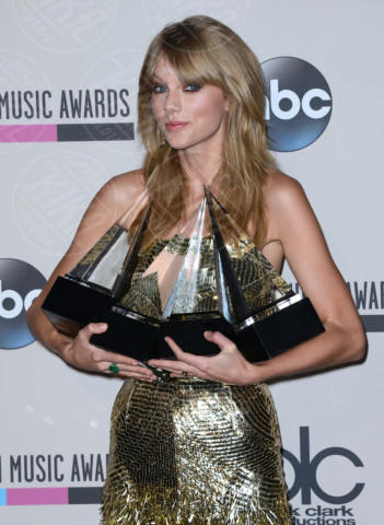 Taylor Swift - Los Angeles - 24-11-2013 - American Music Awards 2013: è trionfo Swift-Timberlake