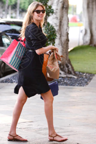 Kate Upton - Beverly Hills - 24-11-2013 - Estate 2019: impossibile rinunciare alle infradito
