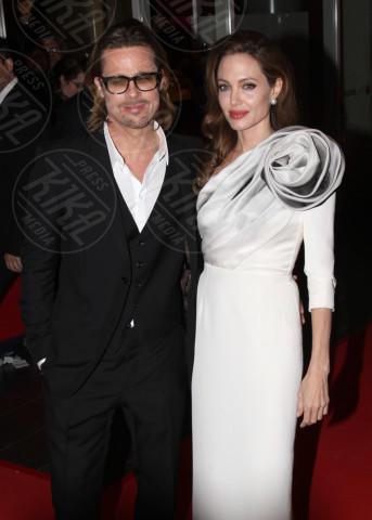 Angelina Jolie, Brad Pitt - Parigi - 16-02-2012 - Addio Brangelina: Jolie ha chiesto il divorzio da Brad Pitt