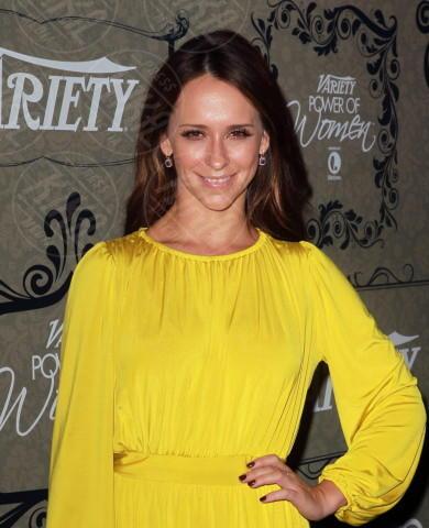Jennifer Love Hewitt - Beverly Hills - 05-10-2012 - Jennifer Love Hewitt è diventata mamma e anche moglie