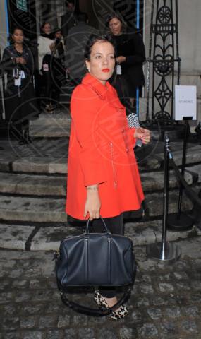 Lily Allen - Londra - 16-09-2013 - Sarà un inverno caldo... con un cappotto rosso!