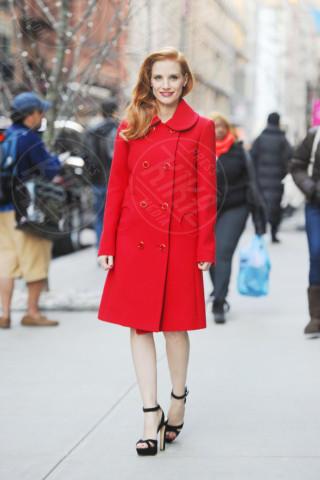 Jessica Chastain - New York - 07-01-2013 - Sarà un inverno caldo... con un cappotto rosso!