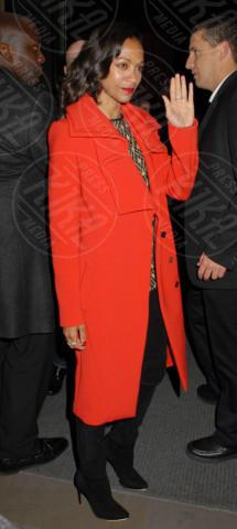Zoe Saldana - Londra - 02-05-2013 - Sarà un inverno caldo... con un cappotto rosso!