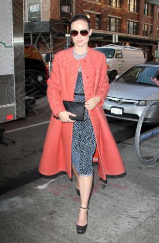 Olivia Wilde - New York - 14-02-2013 - Sarà un inverno caldo... con un cappotto rosso!