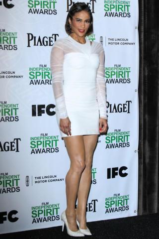 Paula Patton - Los Angeles - 26-11-2013 - Non solo LBD: oggi il tubino è anche bianco!