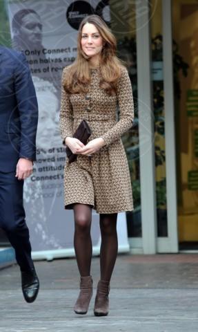 Kate Middleton - Londra - 19-11-2013 - Kate Middleton è la signora in rosso… di nuovo!