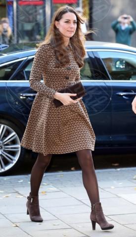 Kate Middleton - Londra - 19-11-2013 - Kate Middleton, abito che vince non si cambia!