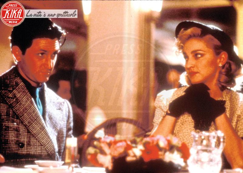 Madonna, Sean Penn - Hong Kong - 29-08-1986 - Amber Heard, solo l'ultima star picchiata dal compagno