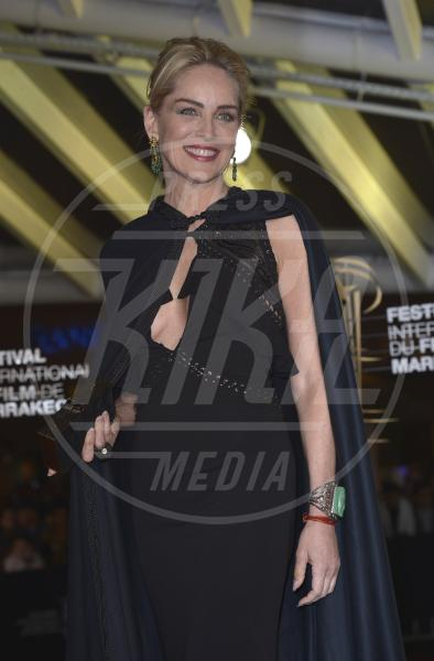 Sharon Stone - Marrakech - 29-11-2013 - Sharon, qualche volta il reggiseno mettilo. O anche no