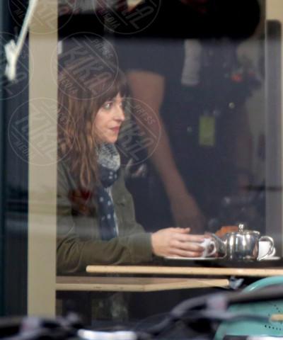 Dakota Johnson - Vancouver - 02-12-2013 - Ciak si gira, partono le riprese di 50 sfumature di grigio