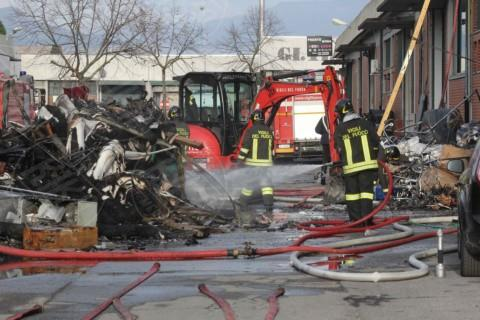 Incendio Macrolotto - Prato - 30-11-2013 - Macrolotto di Prato: sono sette le vittime dell'incendio