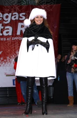 Shania Twain - Las Vegas - 07-12-2013 - En pendant con l'inverno con un cappotto bianco