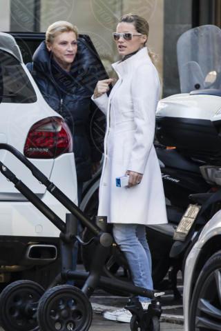 Michelle Hunziker - Milano - 26-11-2013 - Le celebrities vanno in bianco… anche d'inverno!