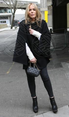 Patsy Kensit - Londra - 28-04-2013 - La mantella, intramontabile classico senza tempo