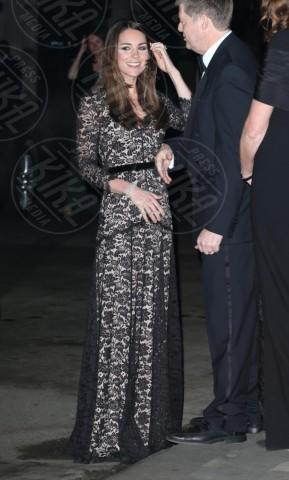 Kate Middleton - Londra - 11-12-2013 - Kate Middleton, abito che vince non si cambia!
