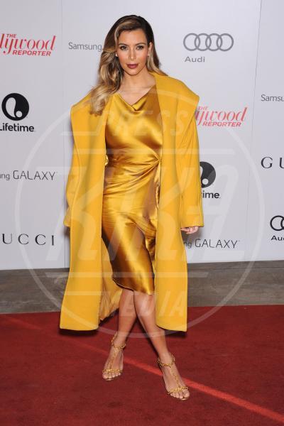 Kim Kardashian - Beverly Hills - 11-12-2013 - Illumina l'inverno con un cappotto giallo!