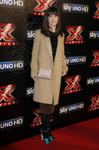 Victoria Cabello - Milano - 12-12-2013 - L'inverno porta in dote i colori neutrali, come il beige