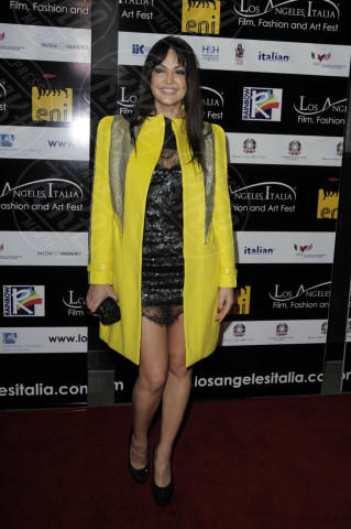Bleona Qereti - Los Angeles - 18-02-2013 - Illumina l'inverno con un cappotto giallo!