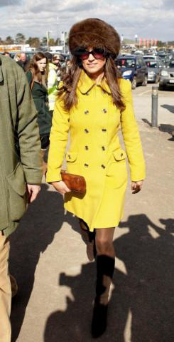 Pippa Middleton - Cheltenham - 14-03-2013 - Illumina l'inverno con un cappotto giallo!