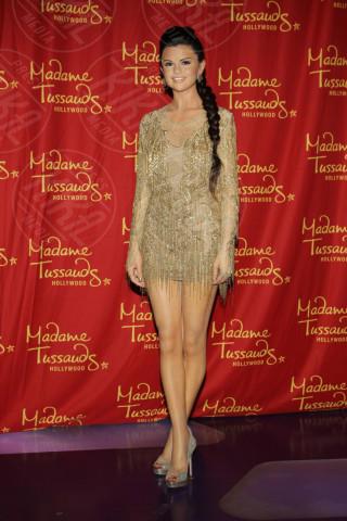 Selena Gomez - Hollywood - 19-12-2013 - Quando la celebrity resta… di cera!