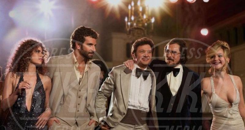 Christian Bale, Jeremy Renner, Amy Adams, Bradley Cooper - Milano - 23-12-2013 - American Hustle, un'abile truffa per aggiudicarsi l'Oscar