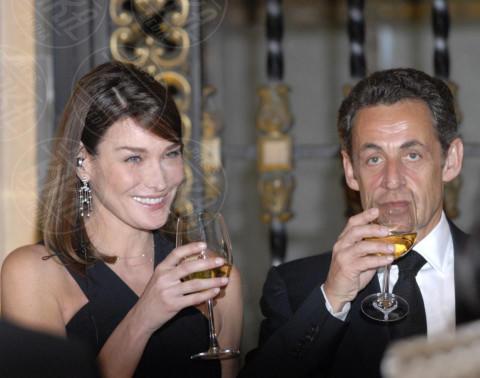 Nicolas Sarkozy, Carla Bruni - 13-12-2011 - L'ex presidente Sarkozy in stato di fermo per concussione