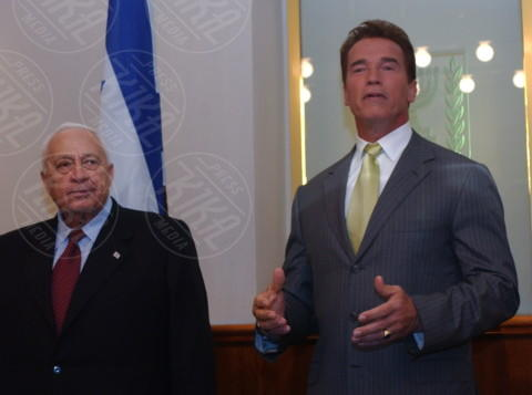 Ariel Sharon, Arnold Schwarzenegger - 02-05-2004 - Donald Trump sarà il prossimo Presidente Usa?