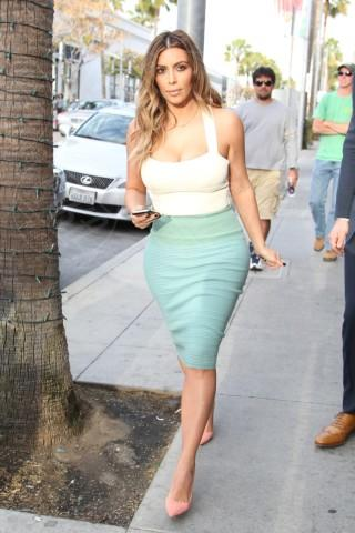 Kim Kardashian - Los Angeles - 06-01-2014 - Questa primavera mi vesto color sorbetto!
