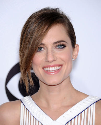 Allison Williams - Los Angeles - 08-01-2014 - People's Choice Awards 2014: le acconciature