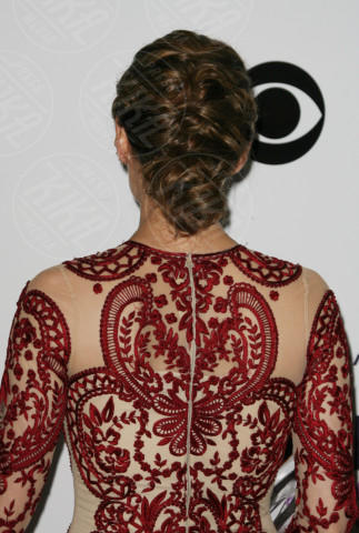 Stana Katic - Los Angeles - 08-01-2014 - People's Choice Awards 2014: le acconciature