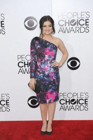 Lucy Hale - Los Angeles - 09-01-2014 - Vade retro abito! Le scelte ai People's Choice Awards