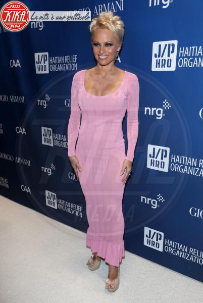 Pamela Anderson - Beverly Hills - 11-01-2014 - Gli attori di Baywatch: com'erano ieri e come sono oggi