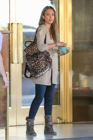 Jessica Alba - Los Angeles - 14-01-2014 - Primavera 2014: mai più senza… un accessorio animalier!