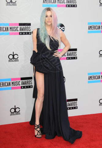 Kesha - Los Angeles - 24-11-2013 - Spacco mio, quanto mi piaci: ecco le celebrity in… gamba!