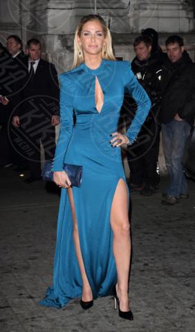 Sarah Harding - Londra - 28-11-2013 - Spacco mio, quanto mi piaci: ecco le celebrity in… gamba!