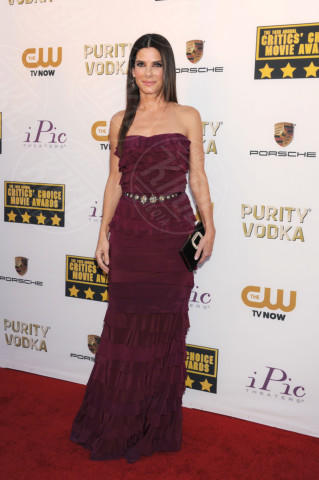 Sandra Bullock - Santa Monica - 16-01-2014 - Le celebrity? Tutte pazze per il bordeaux…