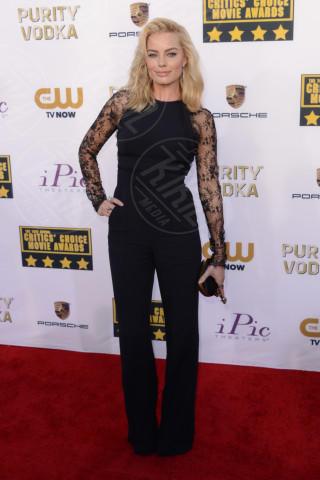 Margot Robbie - Santa Monica - 16-01-2014 - La tuta glam-chic conquista le celebrity