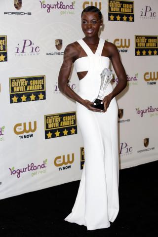 Lupita Nyong'o - Los Angeles - 16-01-2014 - Lupita Nyong'O: i migliori look dell'attrice keniota