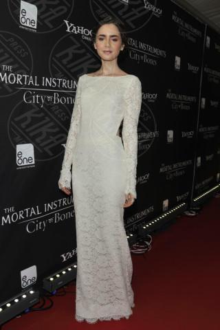 Lily Collins - Toronto - 15-08-2013 - Indecisa sull'abito nuziale? Ispirati al red carpet!