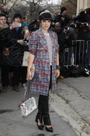 Lily Allen - Parigi - 21-01-2014 - Basta tinta unita! Colora l'inverno con un cappotto fantasia!