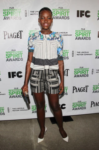 Lupita Nyong'o - West Hollywood - 11-01-2014 - Lupita Nyong'O: i migliori look dell'attrice keniota