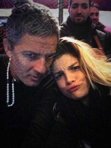 Fiorello, Emma Marrone - Los Angeles - 22-01-2014 - Dillo con un tweet: la Canalis svela i segreti sul sesso