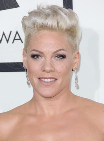 Pink - Los Angeles - 26-01-2014 - Marilyn Style: biondo platino, il colore delle dive